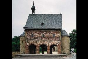 Ulazna vrata iz 9. st u opatiju Lorsch